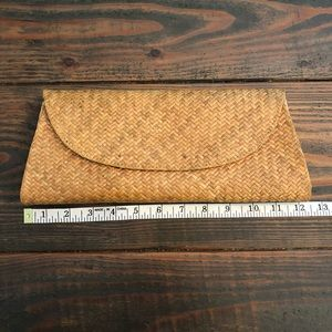 Asiaphile Los Angeles Natural Straw Woven Clutch